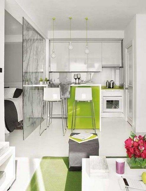 Biała Kuchnia Z Zielonymi Blatamiaranżacja Małej Kuchni