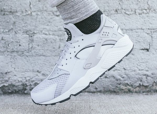Nike Air Huarache \u0027Wolf Grey \u0026 Pure Platinum\u0027 post image