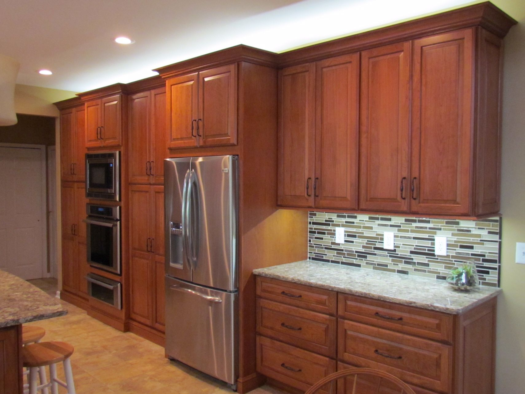 installing the glazing kitchen cabinets. Cabinets- Medallion Wood Type- Cherry Door Style- Brookhill Finish- Pecan Burnish Glaze Installing The Glazing Kitchen Cabinets C