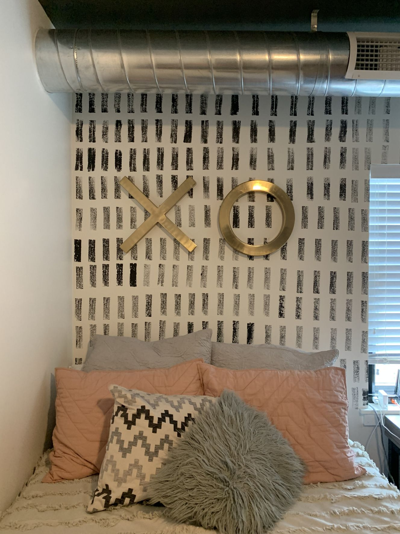 DIY Sponged Accent Wall   Desperate Craft Wife in 2020 ...