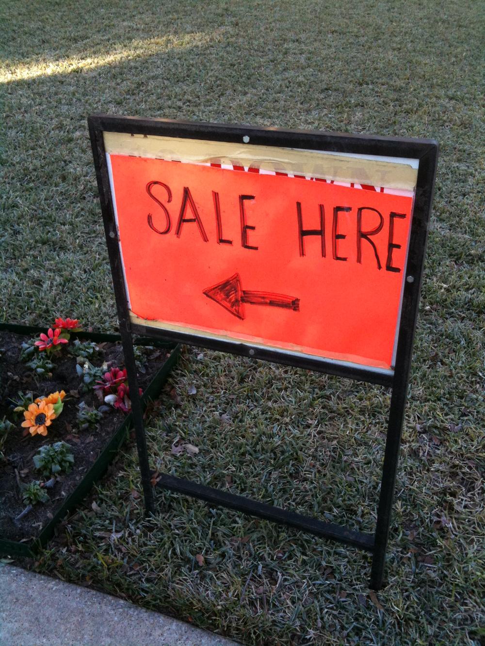 25 tips for shopping estate sales #vintageunscripted #vintageblog #vintage #vintagelifestyle