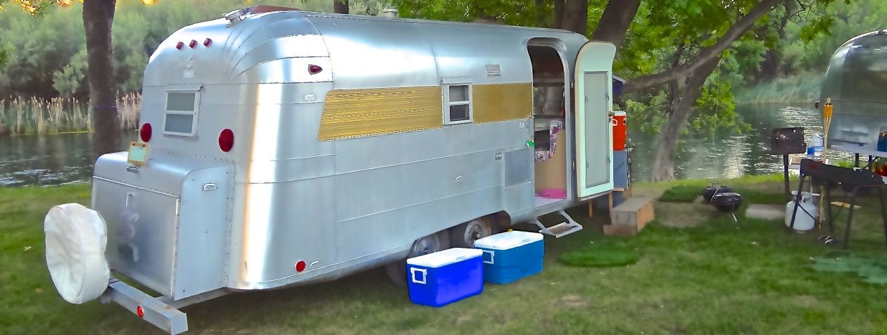 Silver Streak Vintage Trailer For Sale With Images Vintage Trailers For Sale Vintage Travel