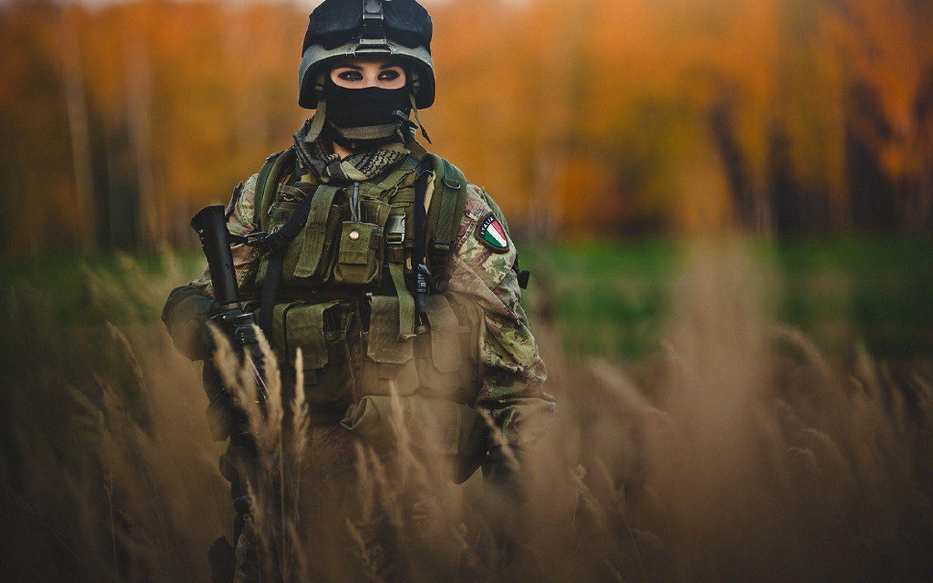 Italian Girl Soldier Army Hd Wallpaper Military Wallpaper Army Photography Military Women