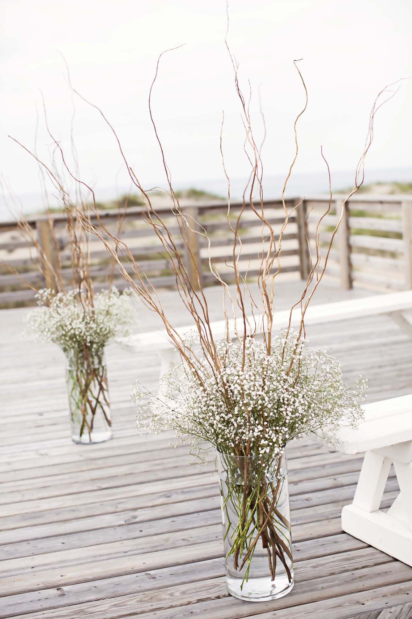 Curly Willow And Baby S Breath Ceremony Arrangements Wedding Cheap Wedding Decorations
