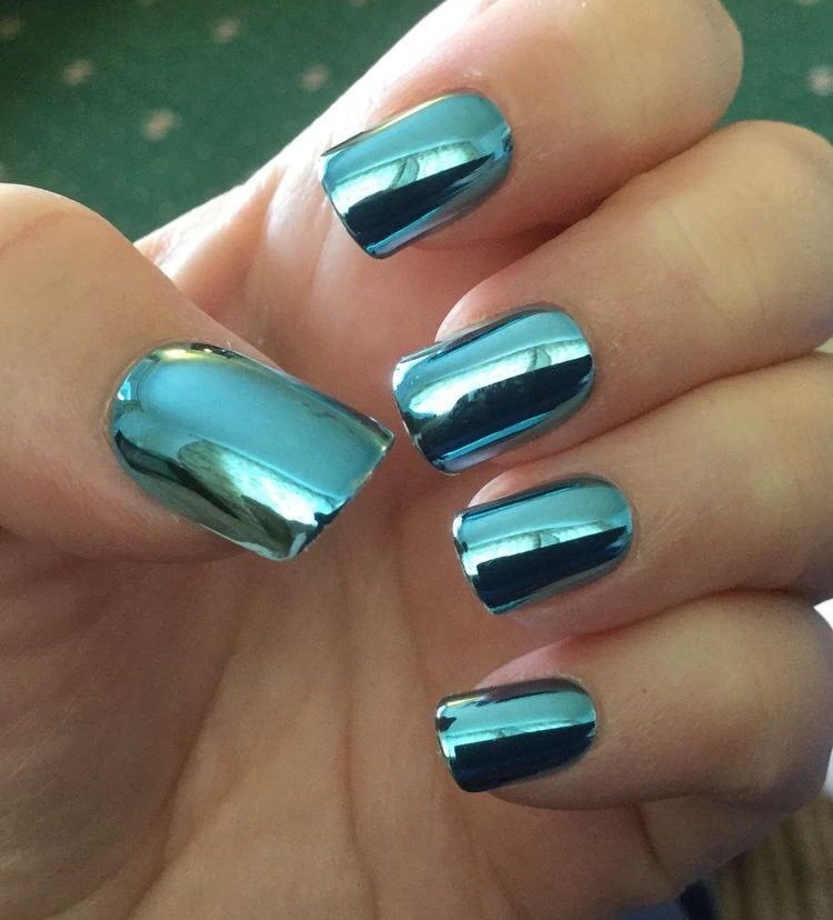 No Sé Por Qué Me Encantan Tanto Las Uñas Metálicas Metallic Nails Blue Chrome