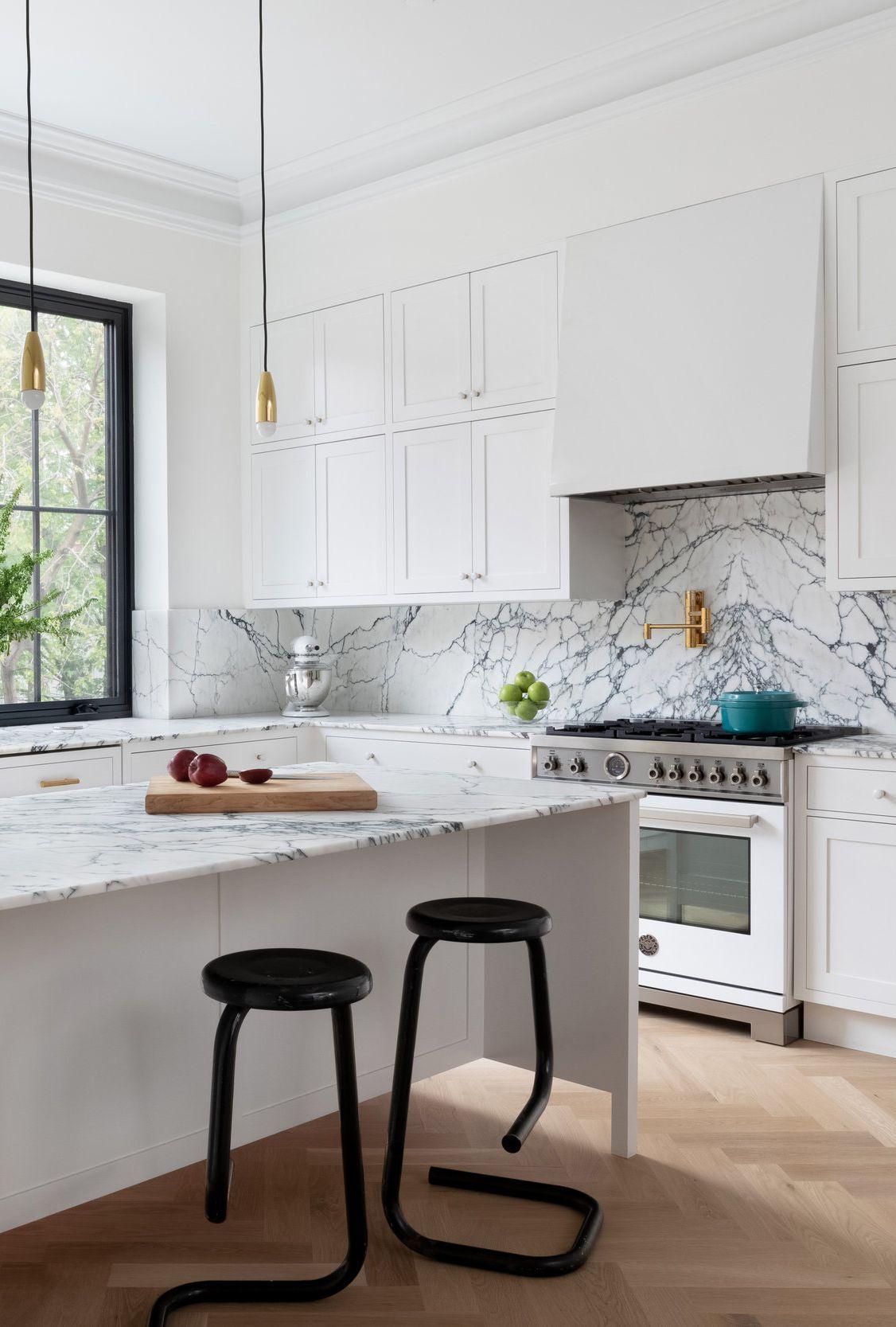 Manhattan Kitchen Perfect For Entertaining Cococozy Manhattan Kitchen White Kitchen Windows Kitchen Interior