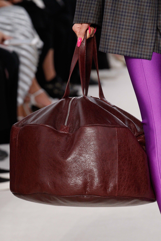 4973a682f173 Balenciaga Spring 2017 Ready-to-Wear Fashion Show Details