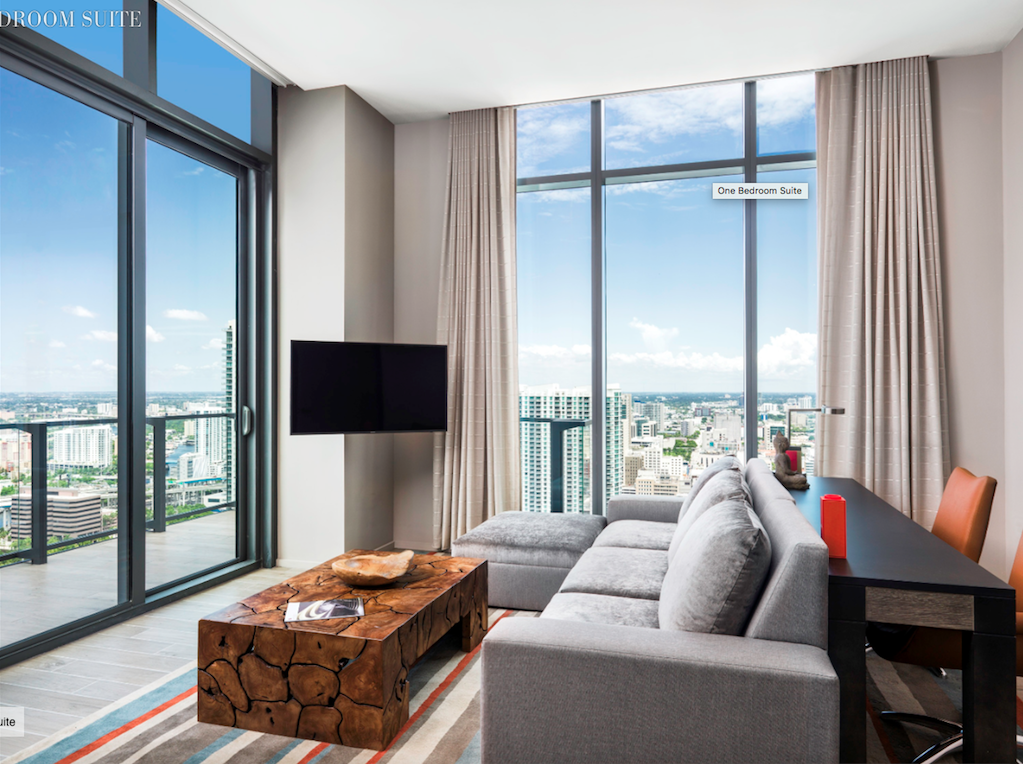 Best East Hotel In Miami Corner Suite With Images Cheap Apartment For Rent Bedroom Suite One 400 x 300