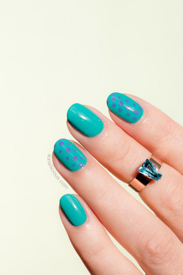 Green and Blue Nails with Maybelline SuperStay Gel. All details: http://sonailicious.com/maybelline-superstay-gel-nail-color-polish-review-swatches/