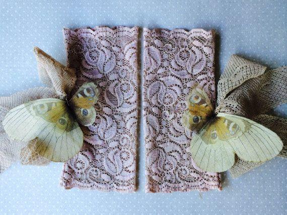 Mariposa romántica los puños de encaje por TheButterfliesShop