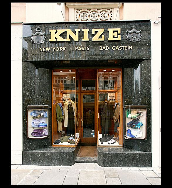 Knize store front by Adolf Loos (Vienna, ca. 1910).