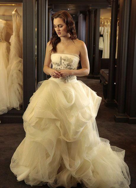 Blair Tries on a Wedding Dress in Gossip Girl Season 5, Episode 11 ...