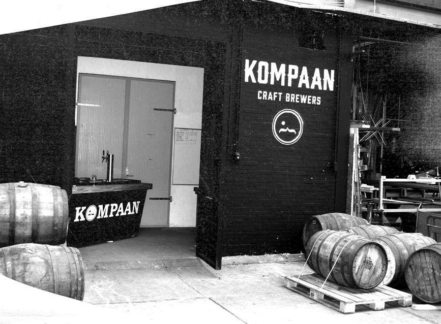 Brouwerij Den Haag.Kompaan Brouwerij Proeflokaal Saturnusstraat 91 Den