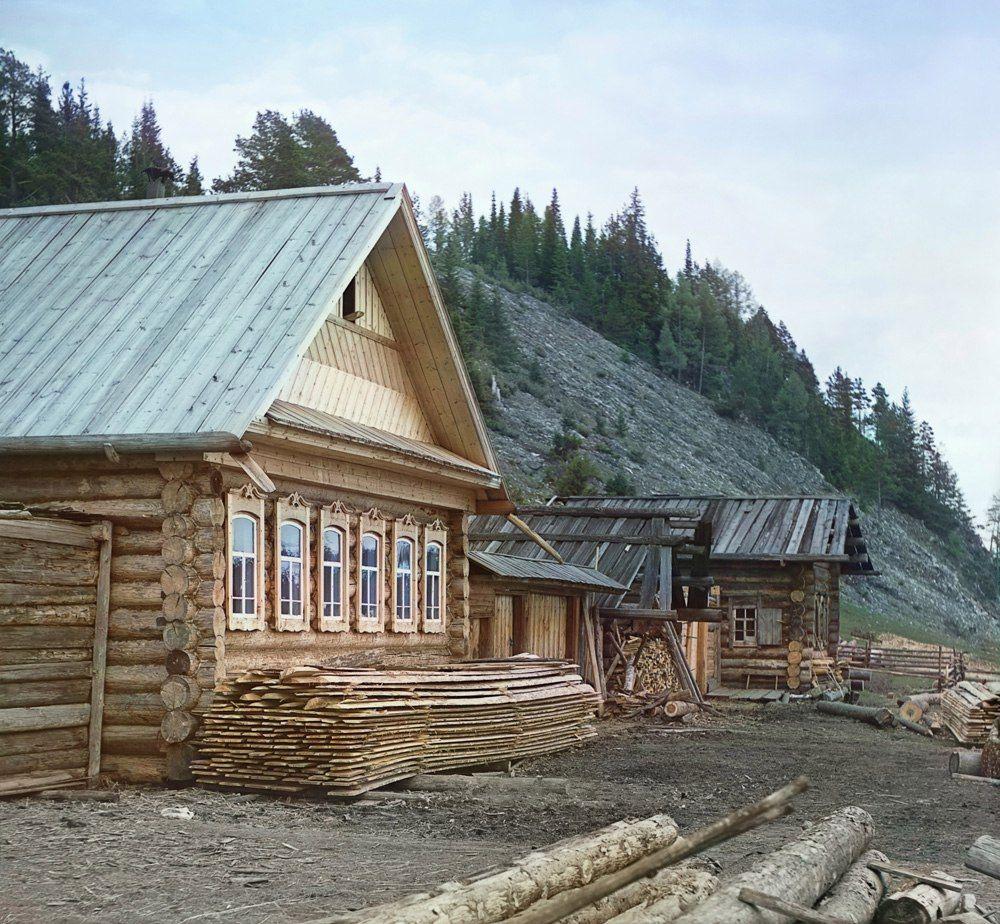 Крестьянская изба в деревне Мартьяновой. 1912 год ...