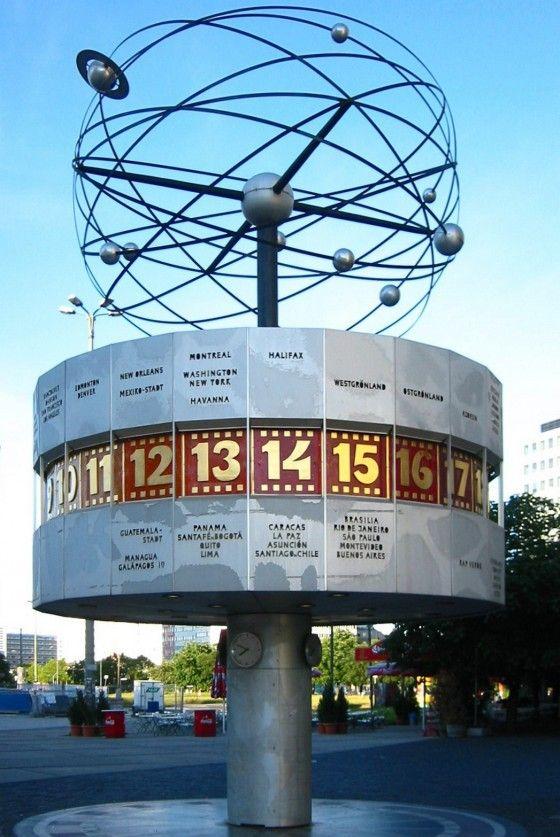 Pin By Danielle Lottridge On Photography World Clock Clock Berlin