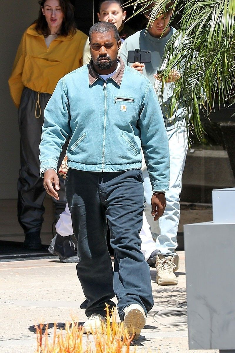 Kanye West In Carhartt Shows The Necessity Of Workwear In 2020 Kanye West Outfits Kanye West Style Kanye West