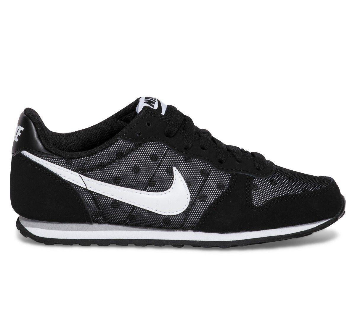 Basket Nike pois noire