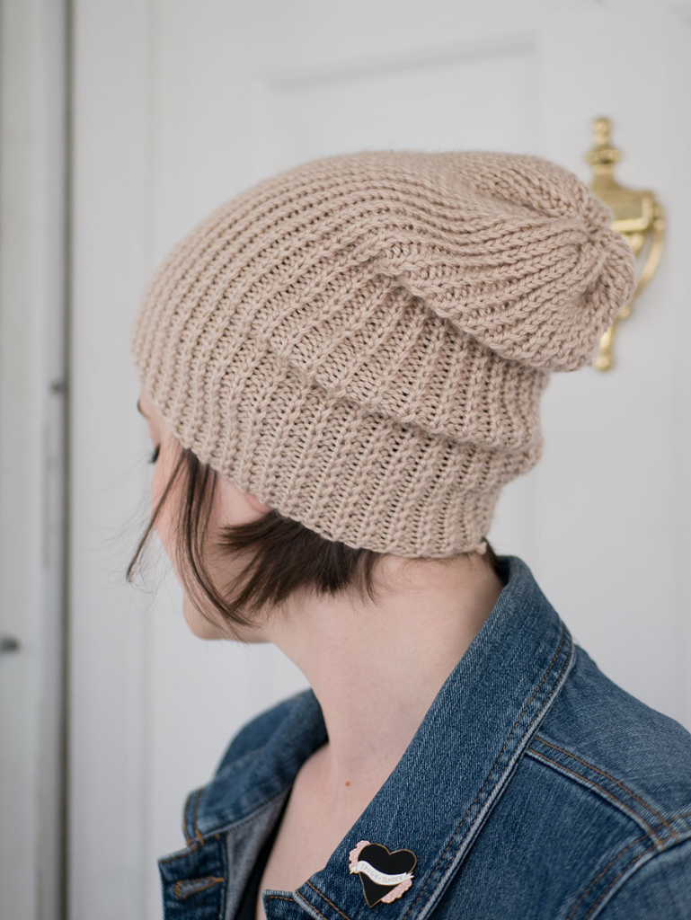 How to knit a slouchy beanie (without using circular needles ...