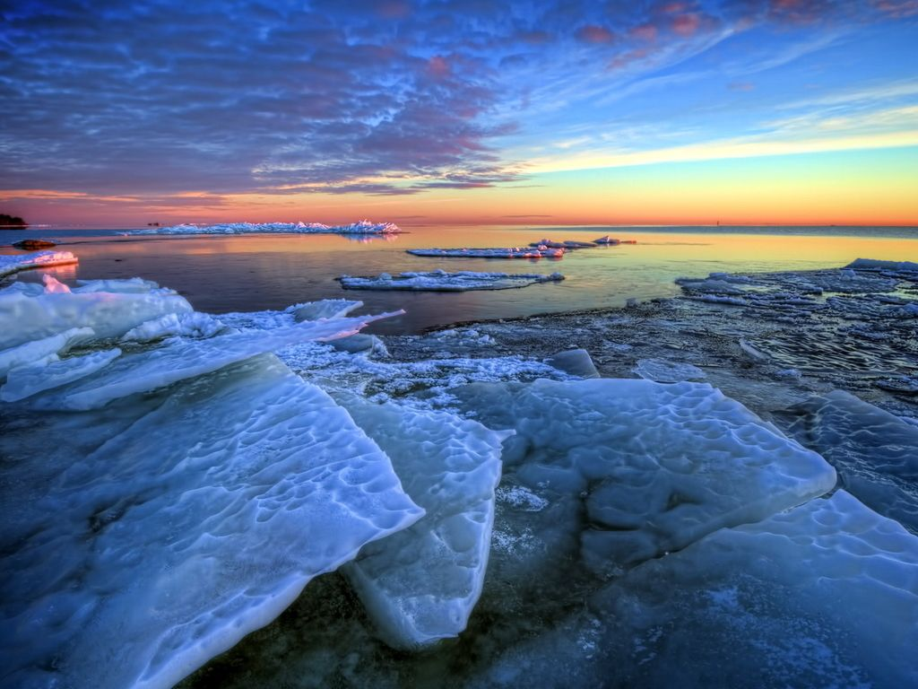 south pole or north pole just seems so lonely Sunset sea