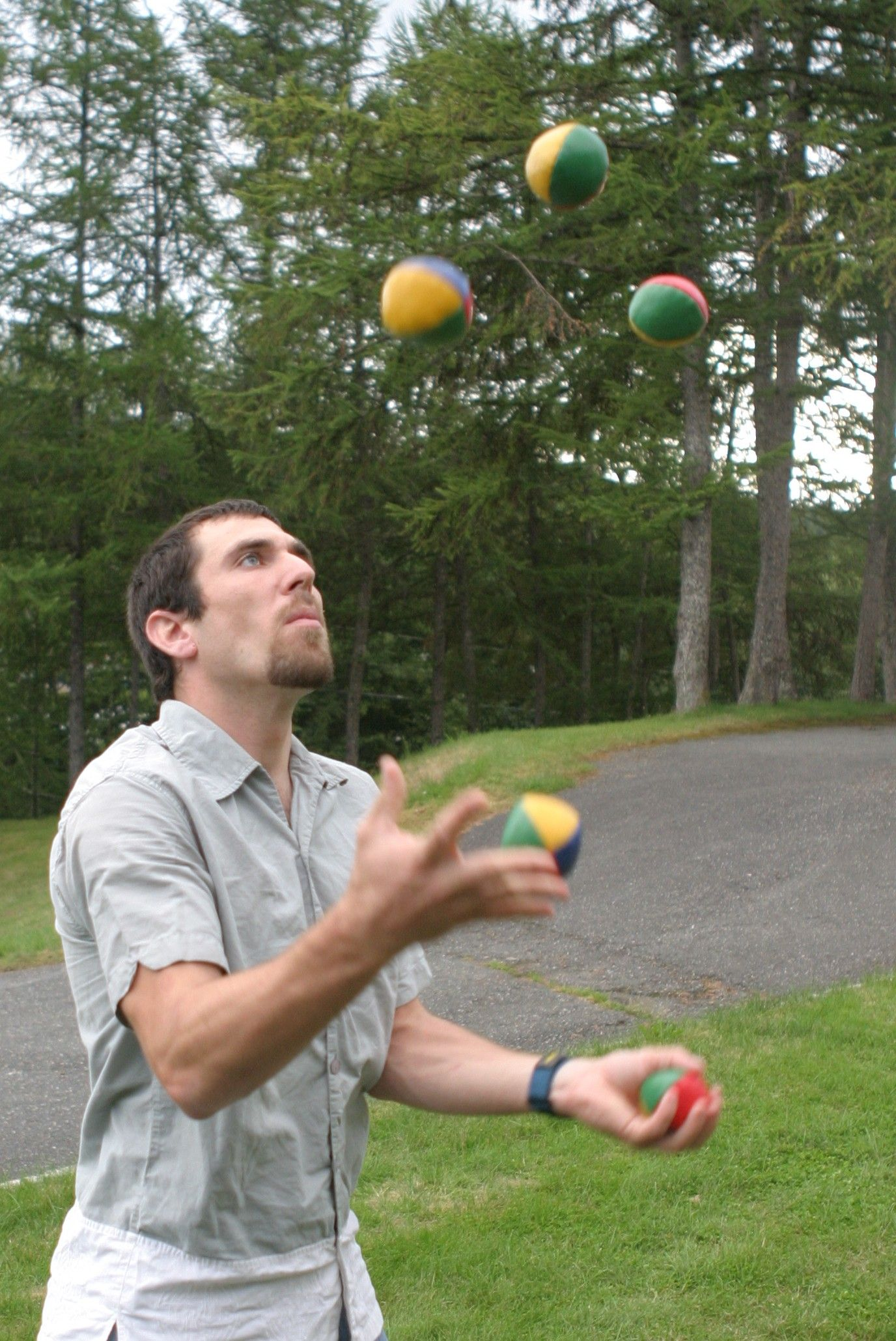 5_ball_juggling.jpg (1376×2058)