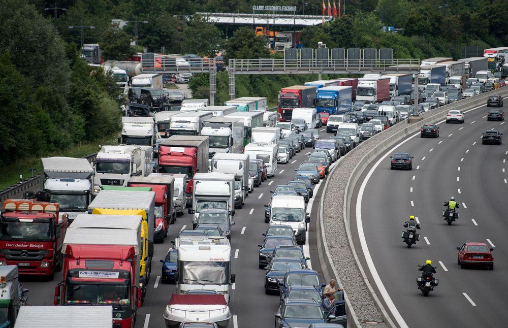 Germany 2,000 traffic jams a day Germany, Traffic jam