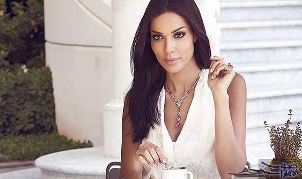 نادين نسيب نجيم تقضي عيد الميلاد مع أكدت ملكة جمال لبنان السابقة والممثلة اللبنانية نادين نسيب نجيم أنها ستمضي إجازة عيد الميل Fashion Wedding Dresses Women