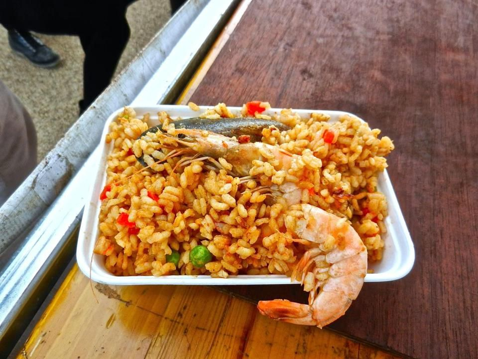 Heady aromas from londons paella stands draw visitors