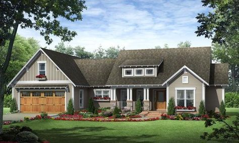 This inviting craftsman home includes all the features that you and your family have always dreamed of having. The well-appointed floorplan design makes ... #craftsmanstylehomes
