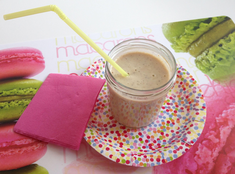 Smoothie du petit déj' http://lespetitesdouceurs.fr/smoothie-du-petit-dej/
