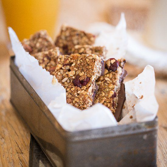 NO sugar, NO butter breakfast bars made with oats, bran