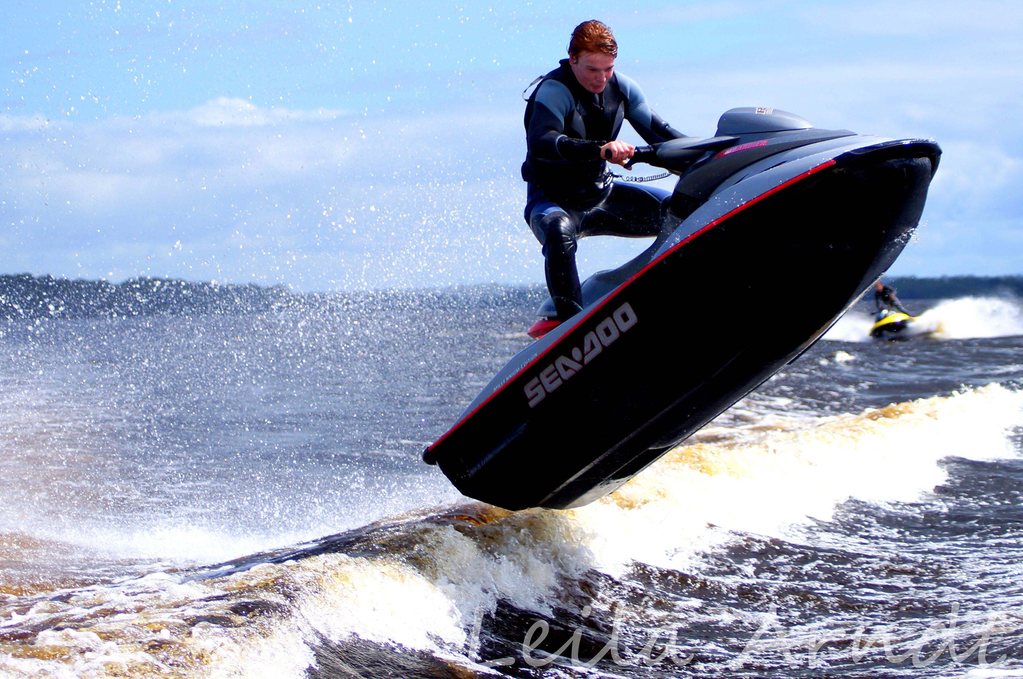 5082e22e76f Jet Skis jumping waves!