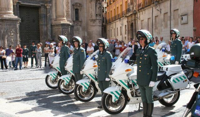 motocicleta bmw guardia civil de tráfico r 850 rt | guardia civil