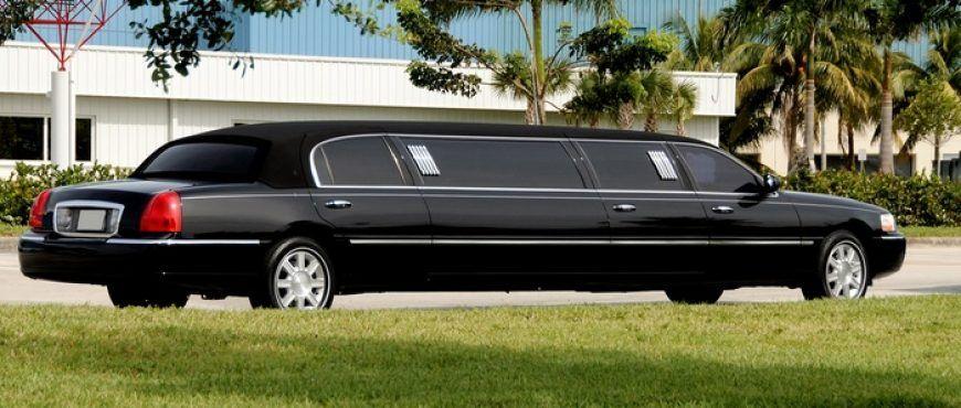 Top CT wedding limo rental offers first class limos, sedan