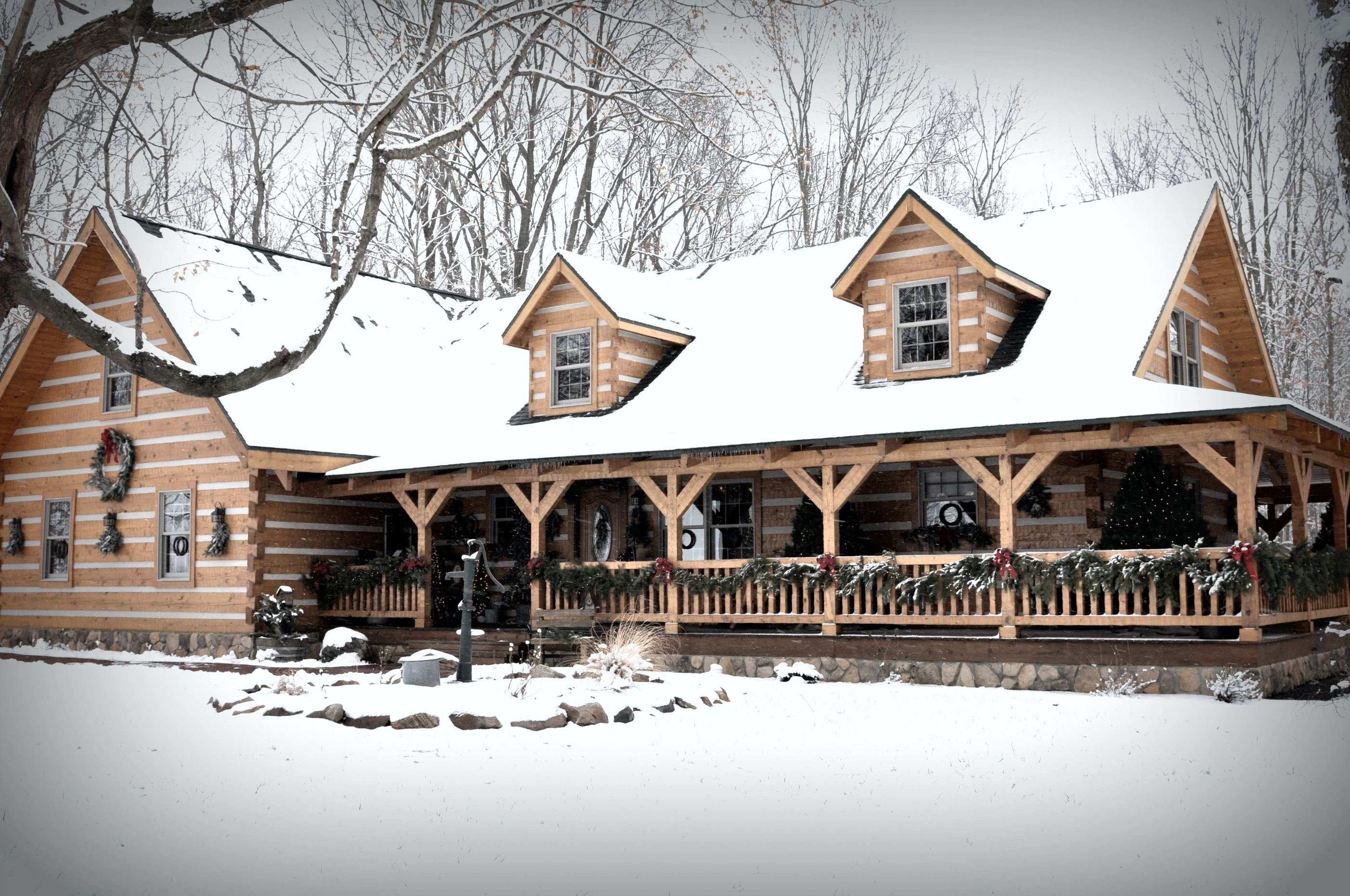 Log cabin in the woods...Oh how gorgeous!! Would rather have this ...