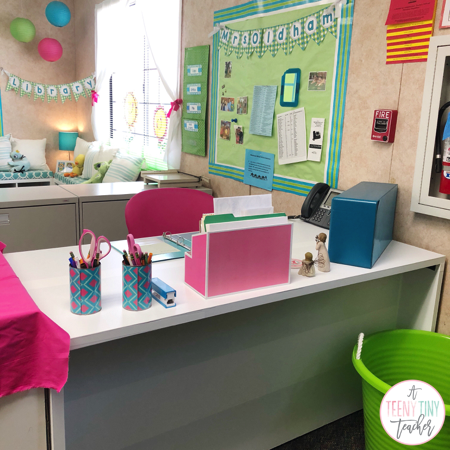 Diy Teacher Desk A Teeny Tiny Teacher Teacher Desk Teacher Desk Areas Teacher Desk Decorations