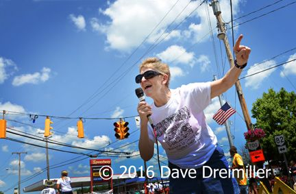Iva Walker Announcing The Annual Tractor Parade In Garrettsville June 2016 C Dave Dreimiller Mantua My Photos Parades