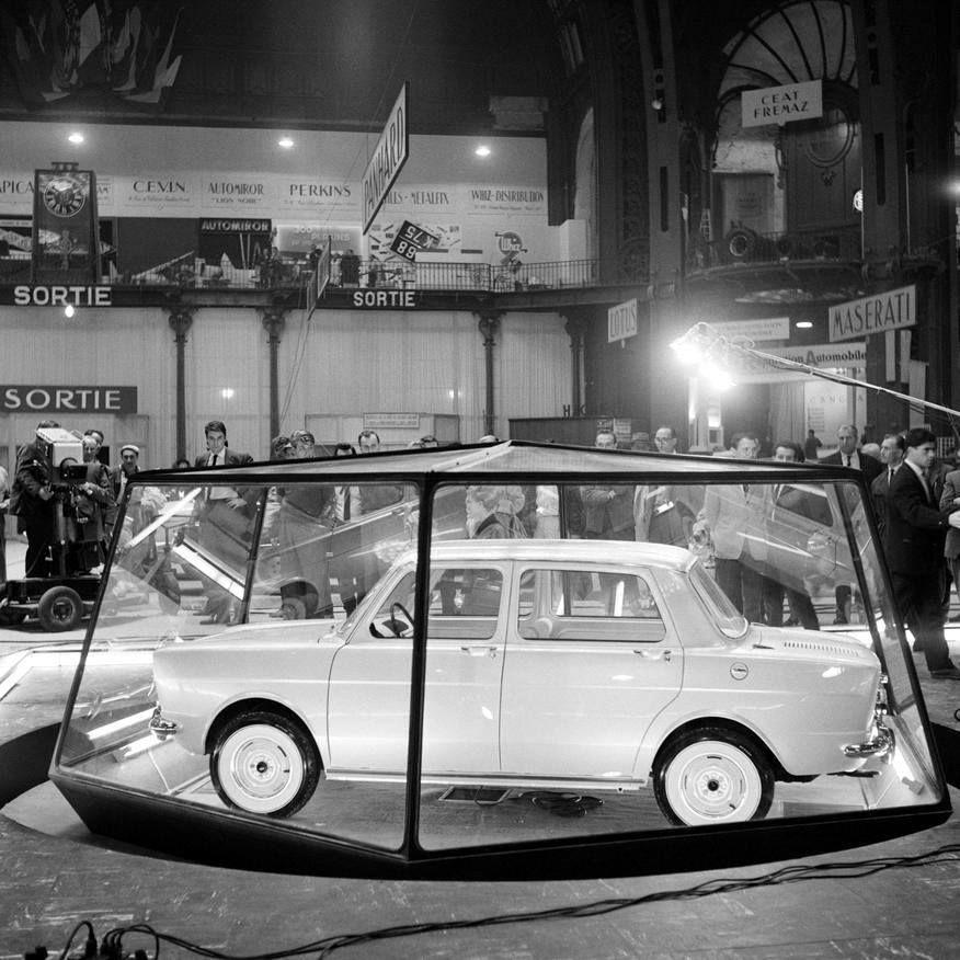 1961 dernier salon au grand palais simca 1000 en vitrine for Salon de l immobilier porte de versailles