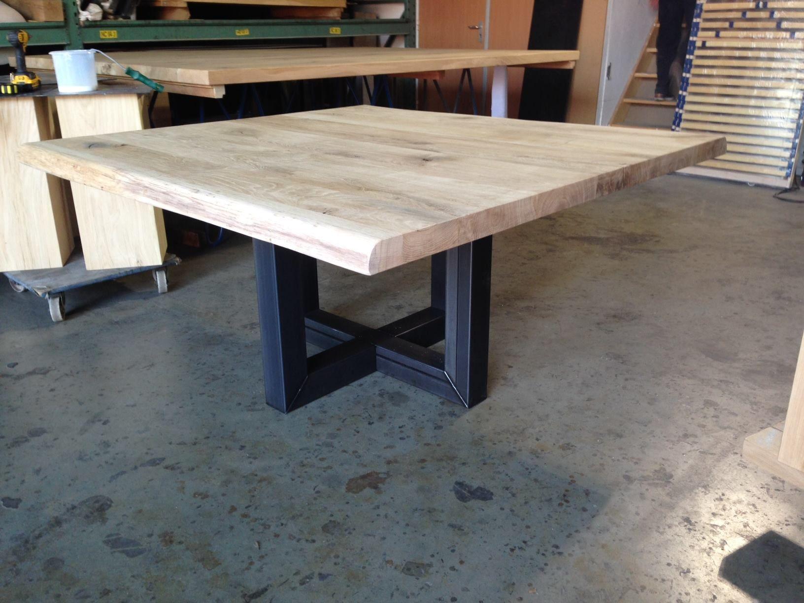 Table de salle  manger design carrée Tolbiac  rallonges dont le