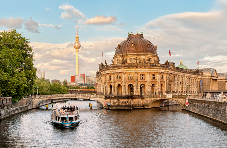 50 Things You Must Do When Visiting Berlin Travel Germany River Cruises In Europe