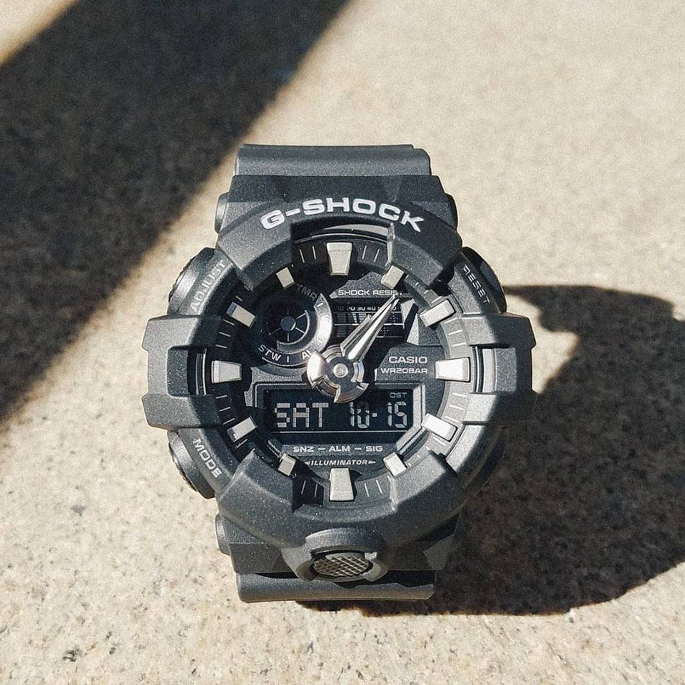 cb63e53385386 g-shock-ga-700-with-bold-3d-hands-and-a-high-visibility-index-1