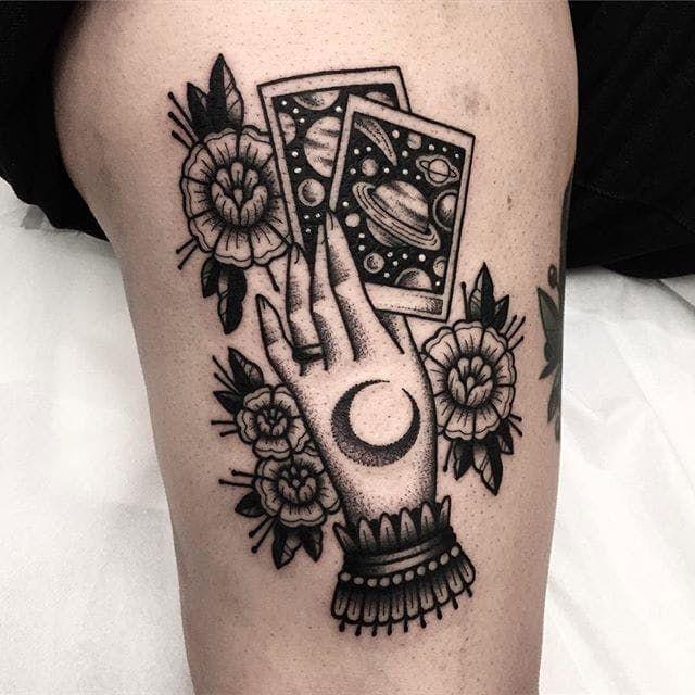 Holding The Cards Via Ig Ariannafusini Blackwork Traditional Ariannafusini Cards Mystical Tattoos Goth Tattoo Tattoos For Guys