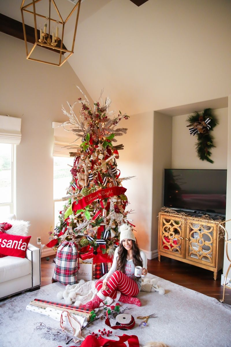 9 Ways To Make Your Home More Festive Cozy The Sweetest Thing Christmas Home Cool Christmas Trees Beautiful Christmas