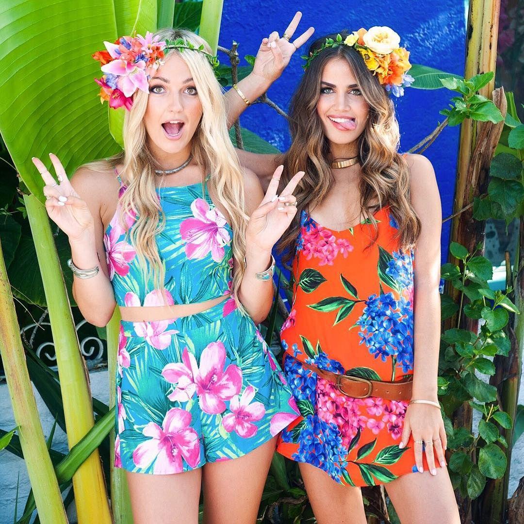 Hey Girls It S Mumumondaygiveaway To Ente Luau Outfits Hawaiian Outfit Luau Outfit