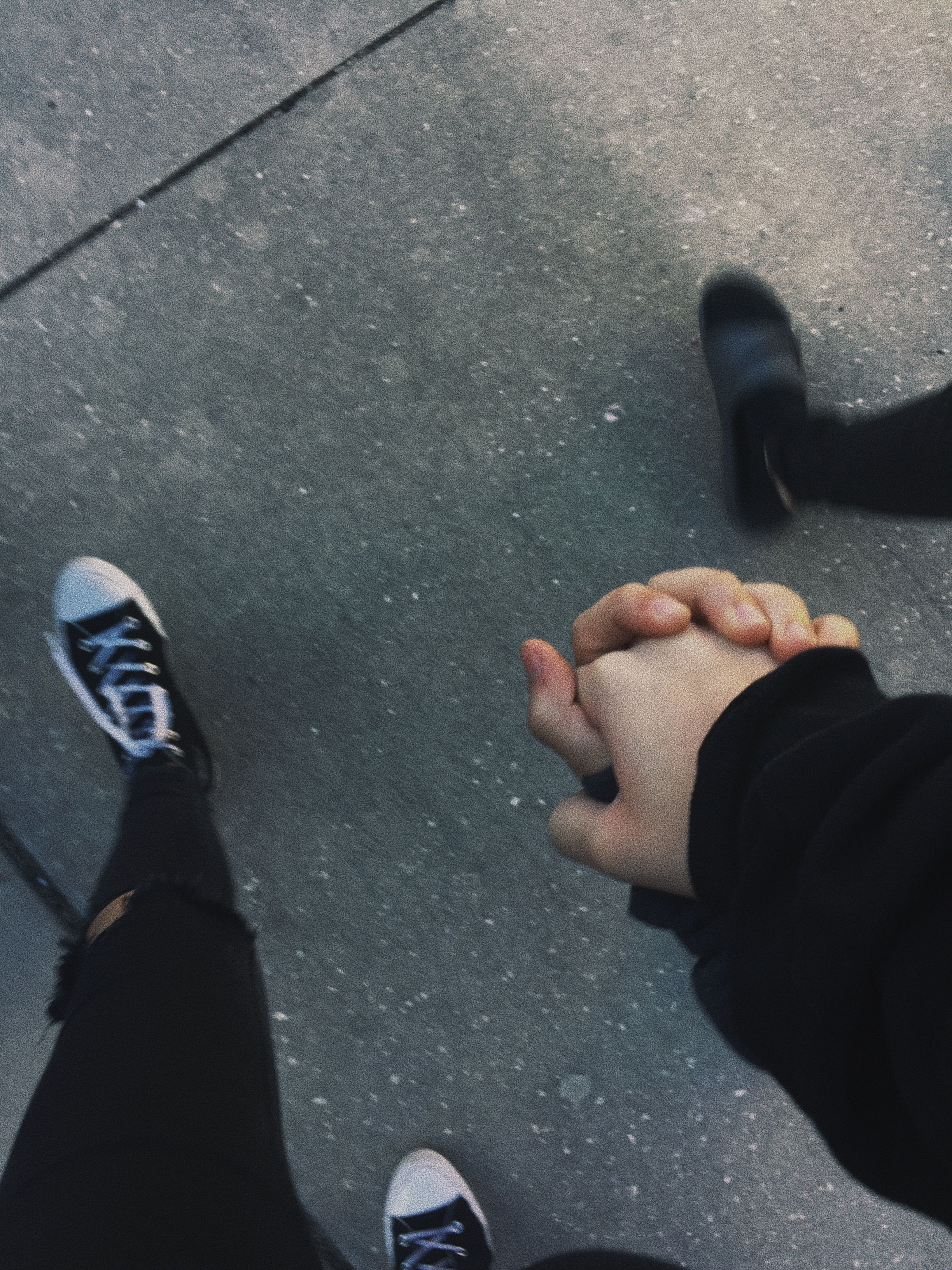 Grunge tumblr love photography aesthetic holdinghands couple relationships relationshipgoals