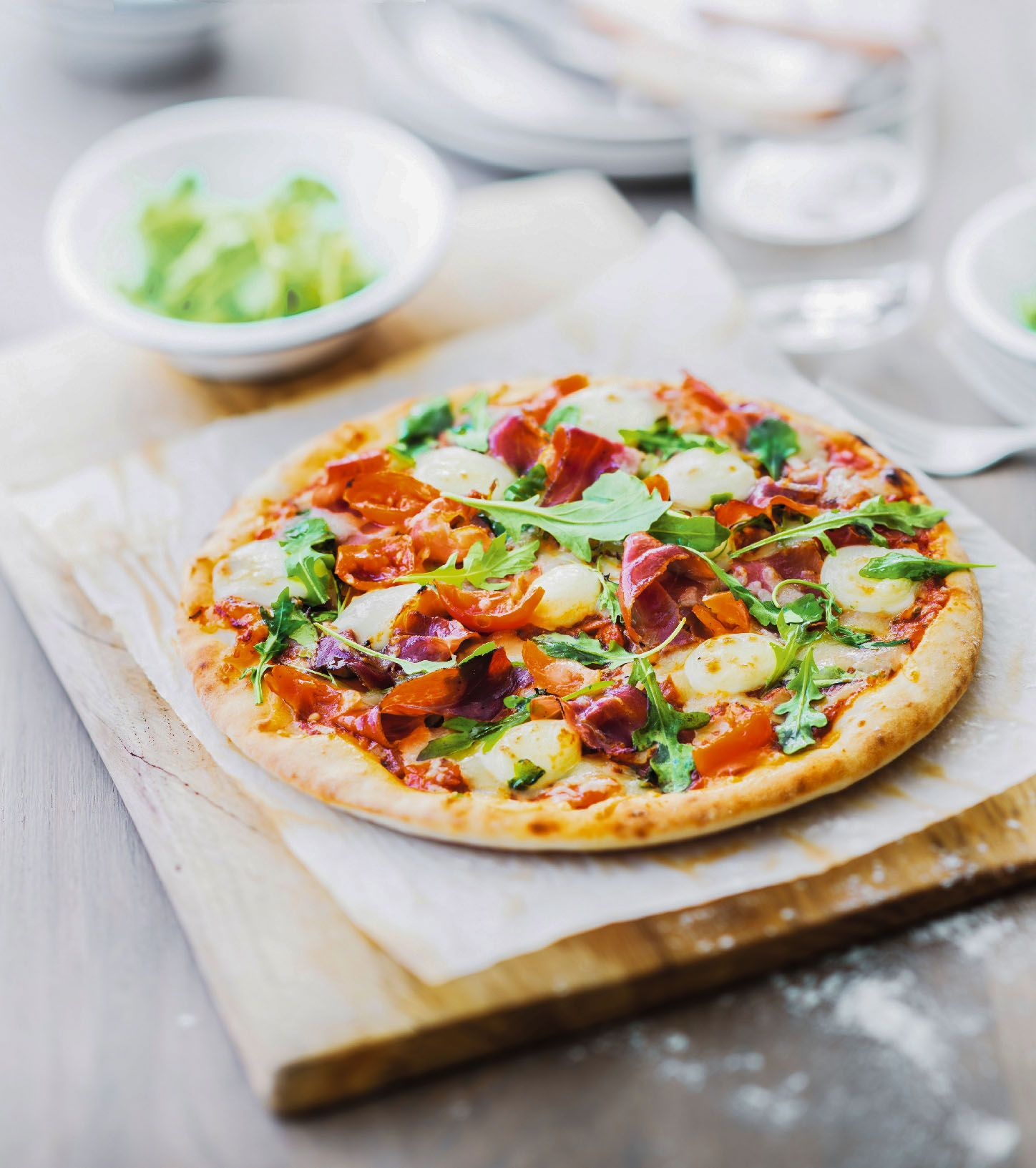 pizza jambon speck roquette mozzarela picard sur la plus fine des p tes aromatis e l. Black Bedroom Furniture Sets. Home Design Ideas