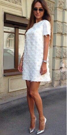 cbdc38ae020 White dress + silver scarpin