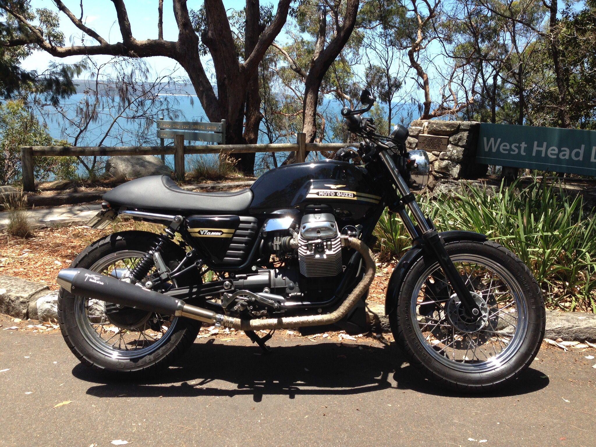 moto guzzi v7 classic with mas fender eliminator moto. Black Bedroom Furniture Sets. Home Design Ideas