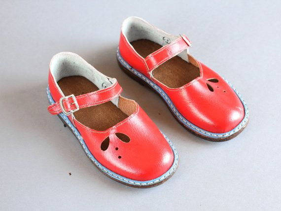 1ca40dfa5f516 size 9,5 Soviet children sandals 70s – red sandals – leather girls ...