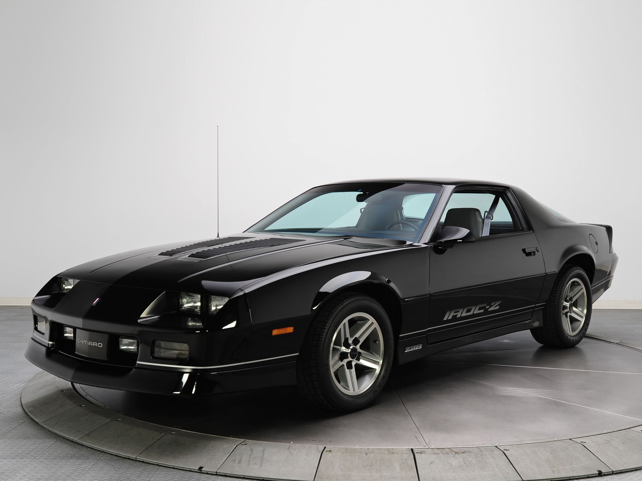 1989 camaro iroc z black 1985 87 chevrolet camaro z28. Black Bedroom Furniture Sets. Home Design Ideas