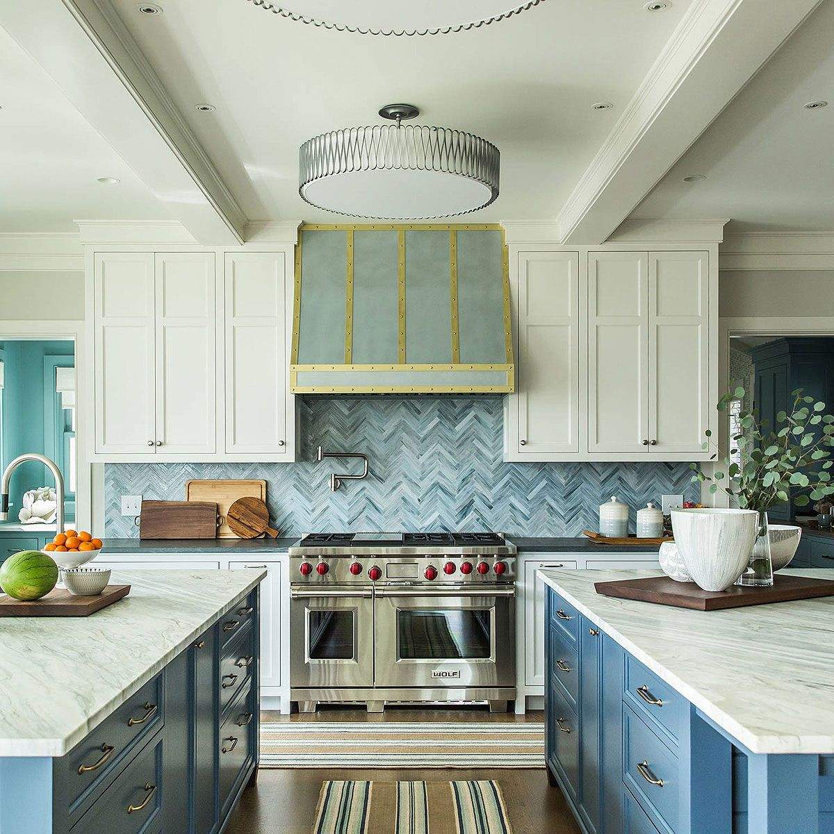 75 Blue Backsplash Ideas Navy Aqua Royal Or Coastal Blue Design In 2020 Blue Backsplash Blue Tile Backsplash Traditional Kitchen Backsplash